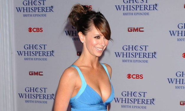 Celeb Spotlight: Jennifer Love Hewitt
