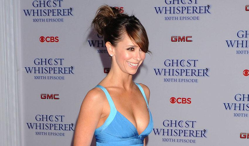 Celeb Spotlight: Jennifer Love Hewitt